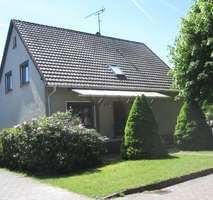 Einfamilienhaus mit Vollkeller und Garage in Ahlden.